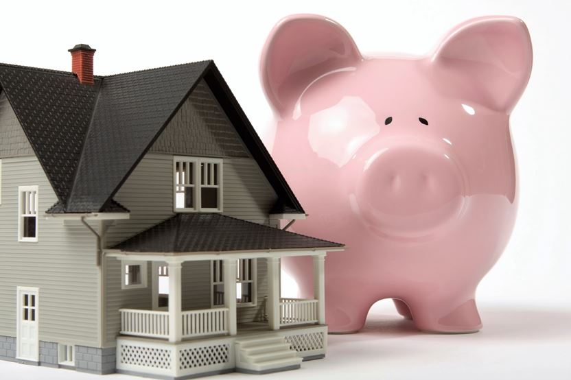 Piggy-bank-with-house